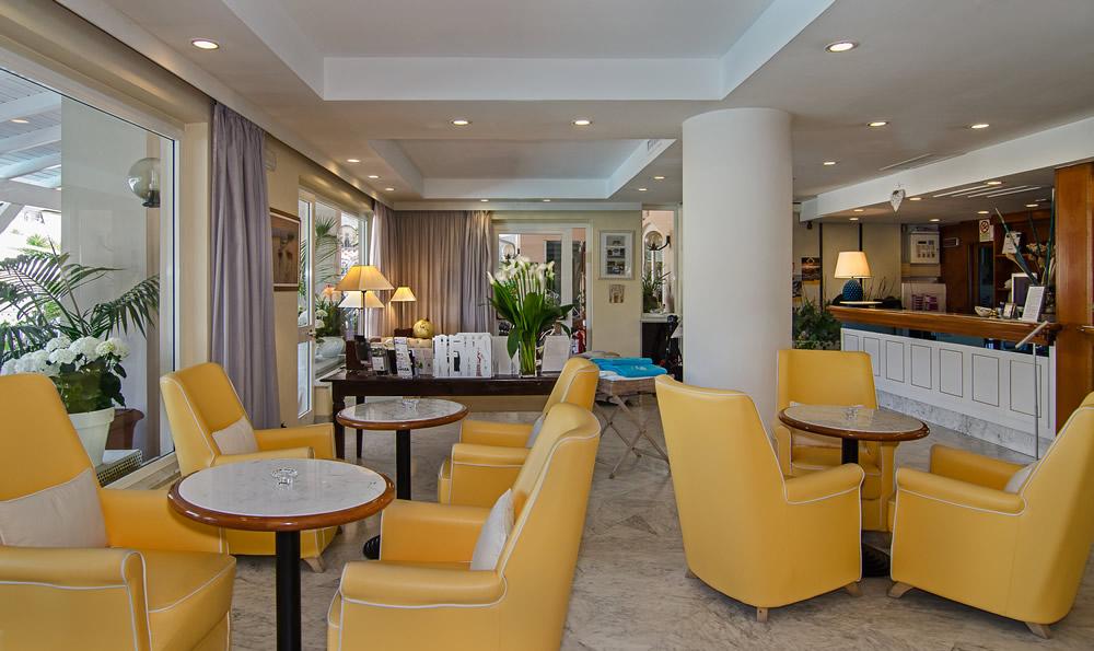 Hotel 4 stelle Versilia sul mare: albergo a Cinquale per ...